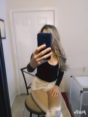 Suela escort girl in Hazelwood and sex parties