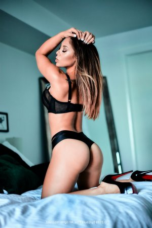 Loucia incall escort in Bellflower California